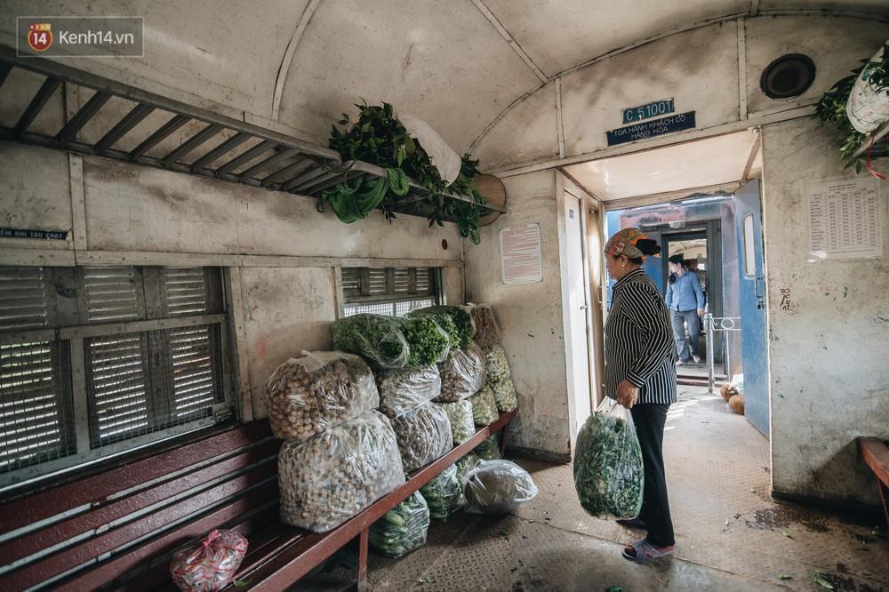 8 giờ trên chuyến tàu kỳ lạ nhất Việt Nam: Rời ga mà không có một hành khách nào - Ảnh 18.