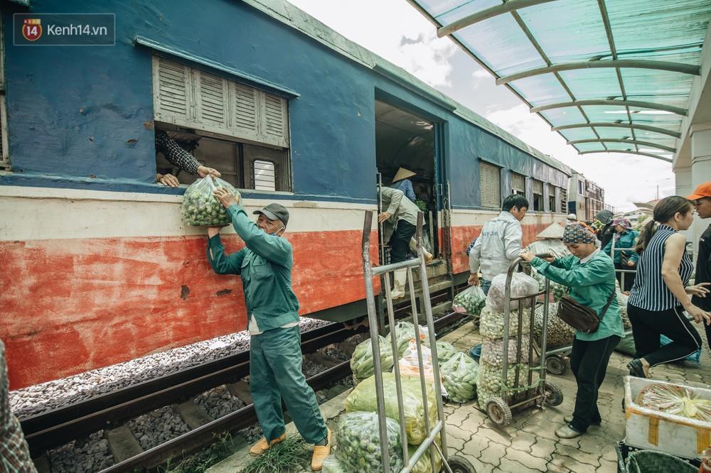 8 giờ trên chuyến tàu kỳ lạ nhất Việt Nam: Rời ga mà không có một hành khách nào - Ảnh 25.
