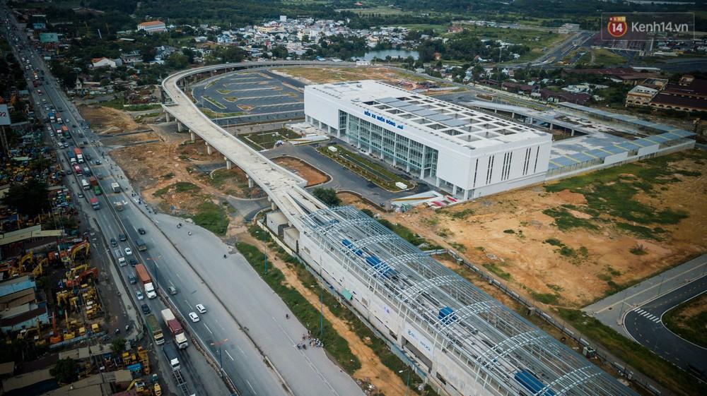 Bên trong khu phức hợp bến xe Miền Đông mới, vốn đầu tư 4.000 tỉ đồng trước ngày đi vào hoạt động - Ảnh 4.