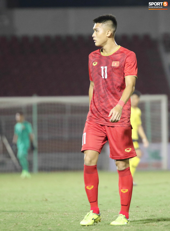 Võ Nguyên Hoàng (U18 Việt Nam): Cú đánh đầu tung lưới Australia và sự sám hối của tuổi trẻ bồng bột - Ảnh 2.