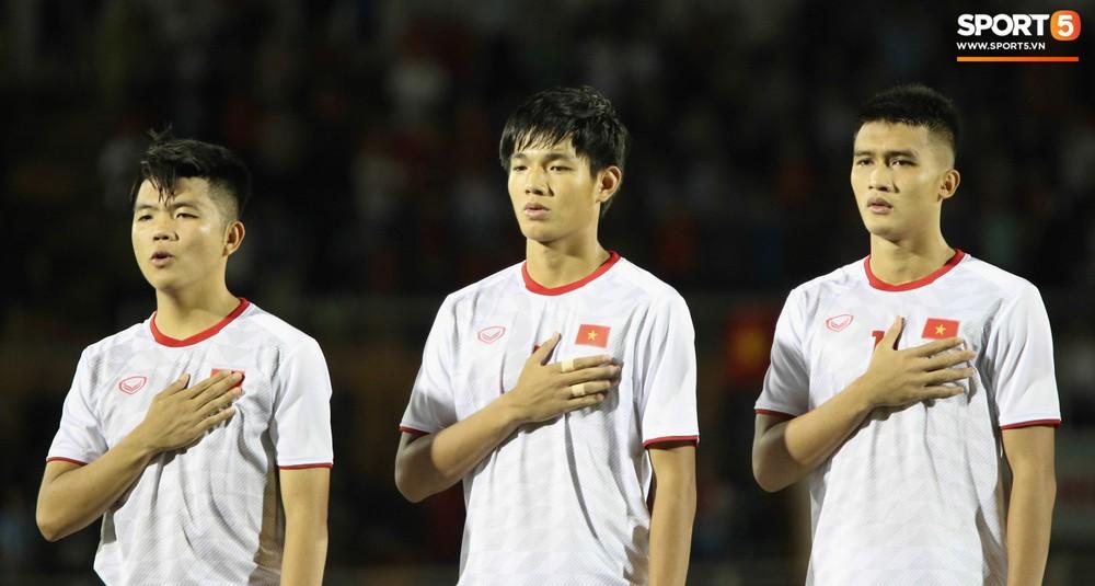 Võ Nguyên Hoàng (U18 Việt Nam): Cú đánh đầu tung lưới Australia và sự sám hối của tuổi trẻ bồng bột - Ảnh 3.