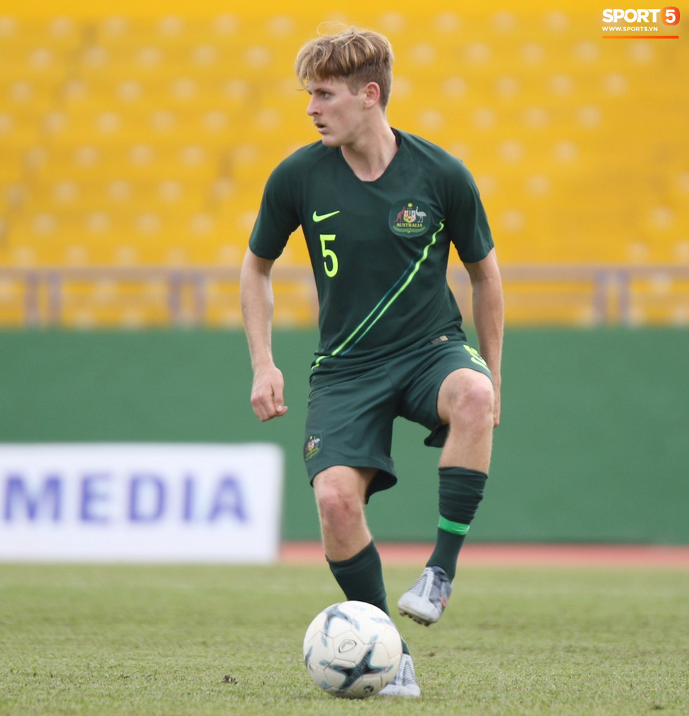 Thi đấu với sơ đồ 3 hậu vệ giống thầy Park, U18 Thái Lan vẫn nhận cái kết đắng trước Australia tại giải U18 Đông Nam Á - Ảnh 4.