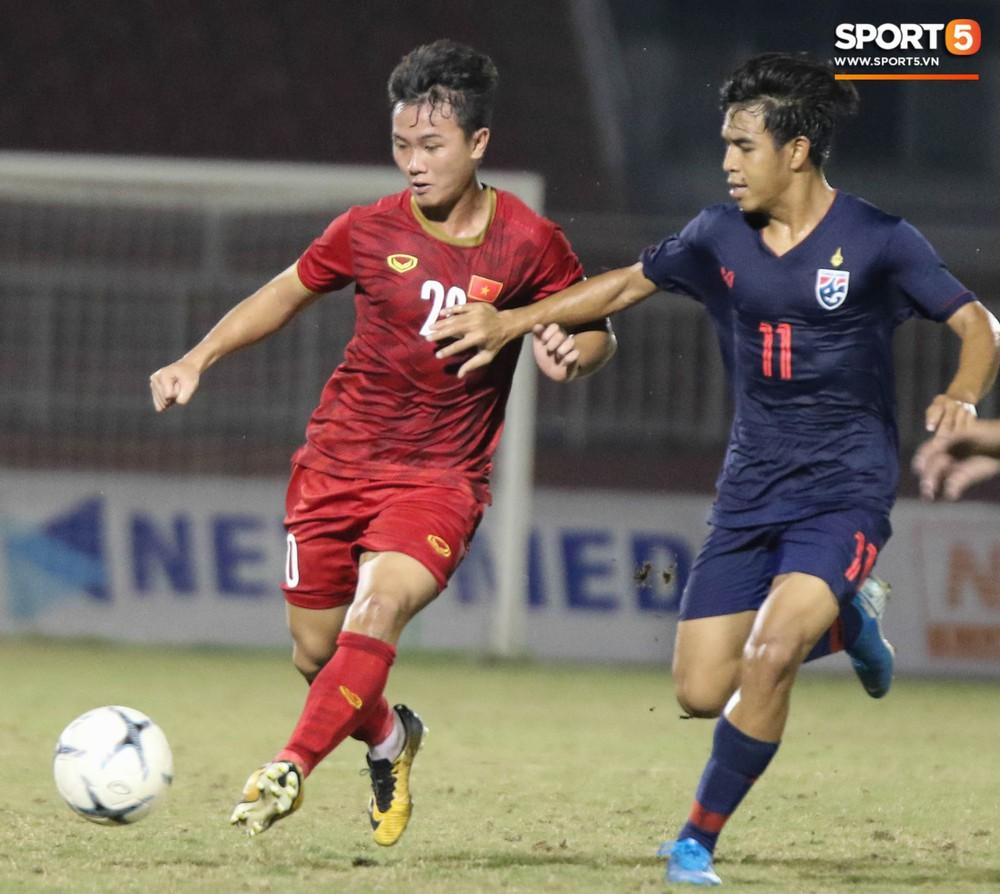 Đứng trước nguy cơ bị loại, HLV trưởng U18 Việt Nam vẫn lạc quan ở các học trò - Ảnh 1.