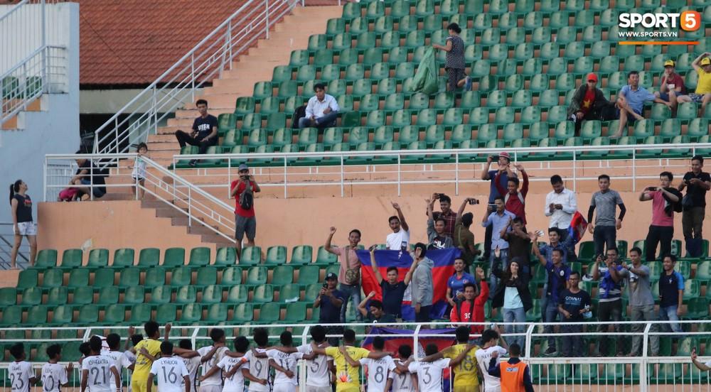 Ấm lòng phút giây xum vầy cùng gia đình của các cầu thủ U18 Việt Nam sau thất bại tại giải U18 Đông Nam Á 2019 - Ảnh 8.