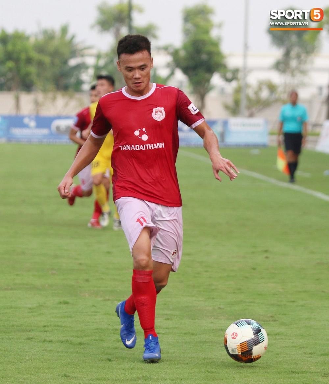 Martin Lo trầm tư trong ngày vui của tân binh Phố Hiến FC tại giải Hạng Nhất QG 2019 - Ảnh 11.