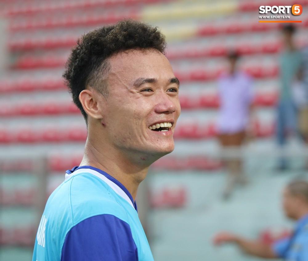 Martin Lo trầm tư trong ngày vui của tân binh Phố Hiến FC tại giải Hạng Nhất QG 2019 - Ảnh 8.
