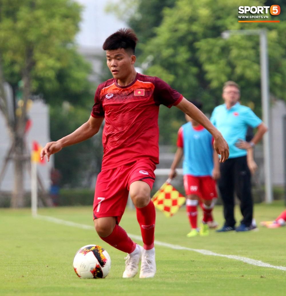 U19 Việt Nam thay đổi tích cực trong lần thử lửa đầu tiên dưới thời HLV trưởng Philippe Troussier - Ảnh 5.