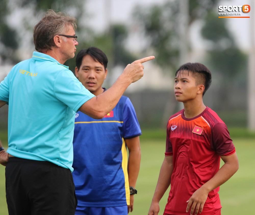 U19 Việt Nam thay đổi tích cực trong lần thử lửa đầu tiên dưới thời HLV trưởng Philippe Troussier - Ảnh 3.
