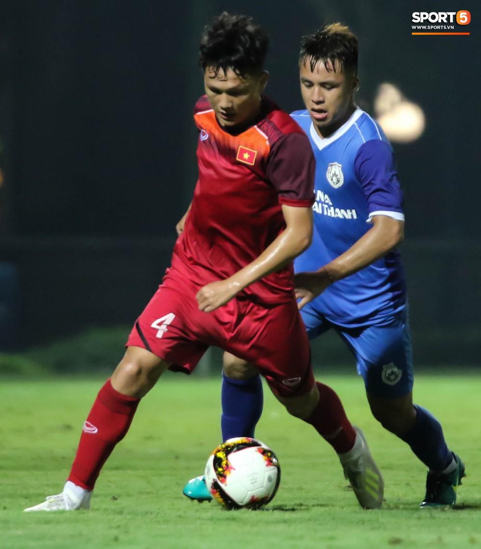 U19 Việt Nam thay đổi tích cực trong lần thử lửa đầu tiên dưới thời HLV trưởng Philippe Troussier - Ảnh 10.