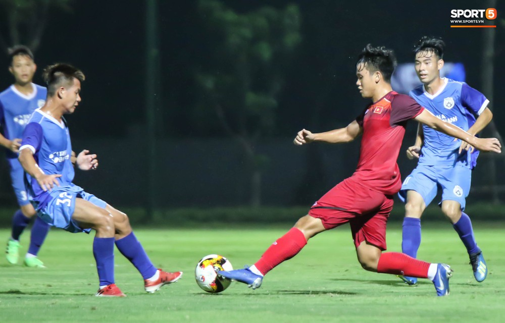 U19 Việt Nam thay đổi tích cực trong lần thử lửa đầu tiên dưới thời HLV trưởng Philippe Troussier - Ảnh 6.