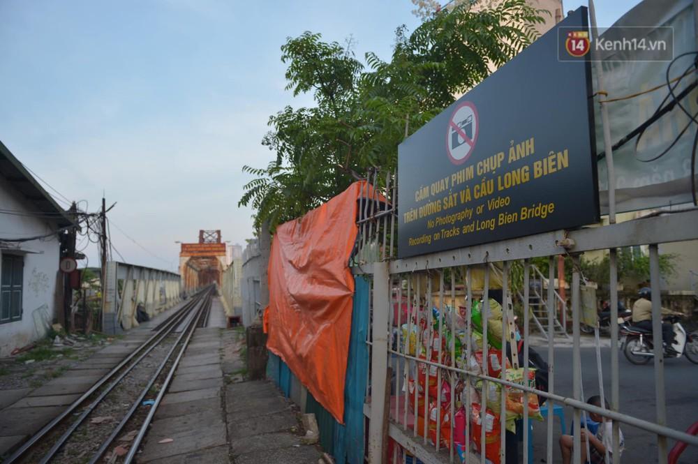 Ảnh: Người dân thủ đô ngỡ ngàng trước diện mạo mới ga Long Biên sau hơn 100 năm hoạt động - Ảnh 12.