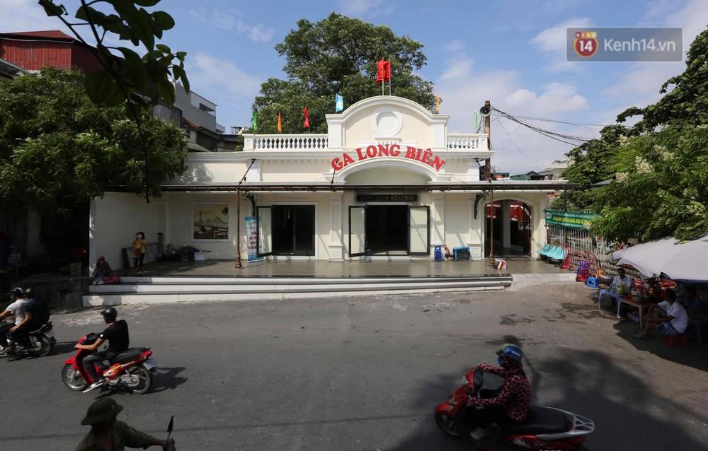 Ảnh: Người dân thủ đô ngỡ ngàng trước diện mạo mới ga Long Biên sau hơn 100 năm hoạt động - Ảnh 1.