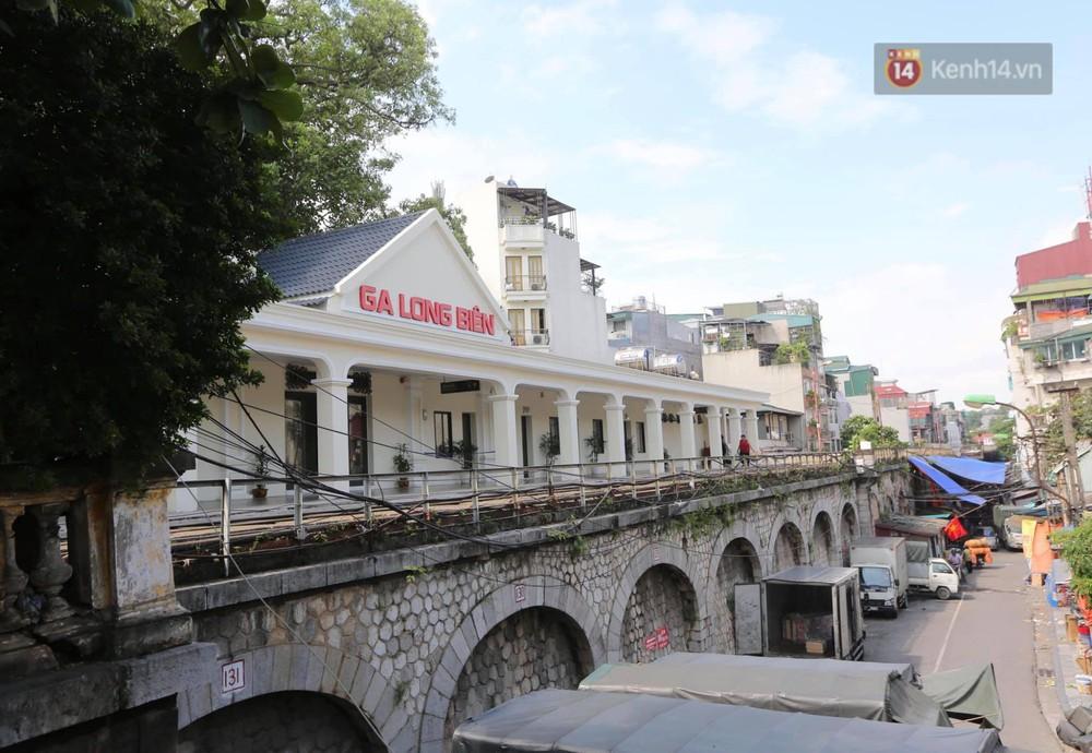 Ảnh: Người dân thủ đô ngỡ ngàng trước diện mạo mới ga Long Biên sau hơn 100 năm hoạt động - Ảnh 2.