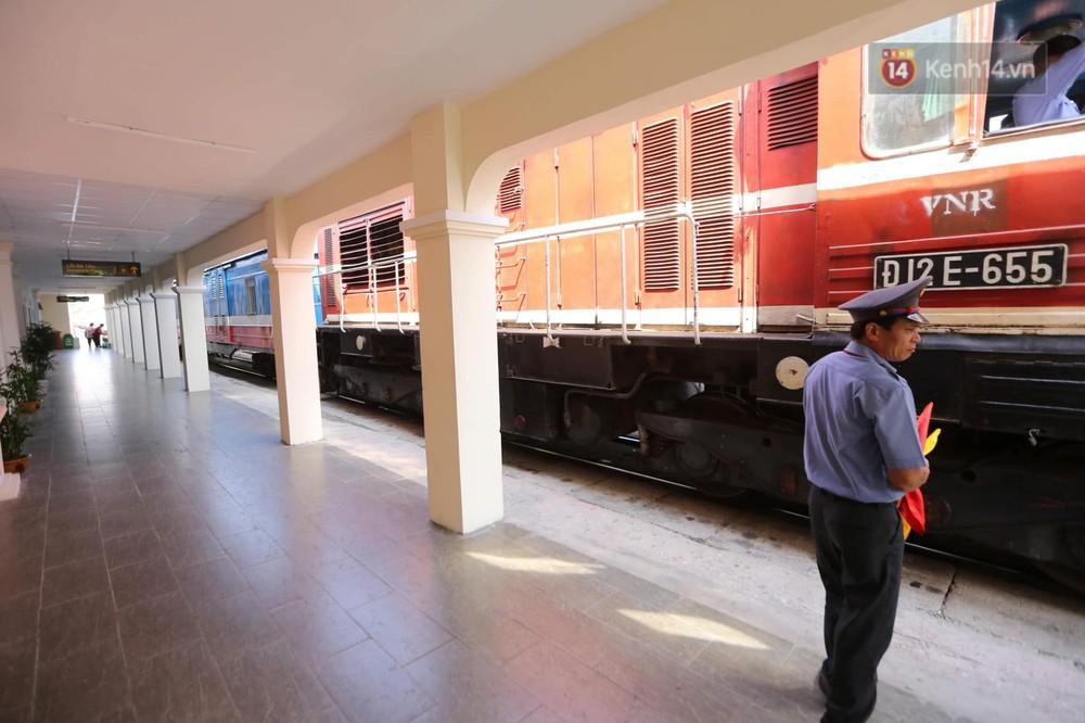 Ảnh: Người dân thủ đô ngỡ ngàng trước diện mạo mới ga Long Biên sau hơn 100 năm hoạt động - Ảnh 10.