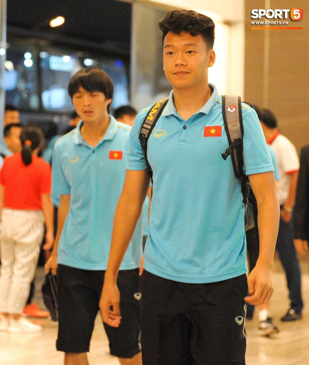 Hải Quế, Duy Pinky check-in nhí nhảnh tại khách sạn sau trận đấu cân não với Thái Lan - Ảnh 7.