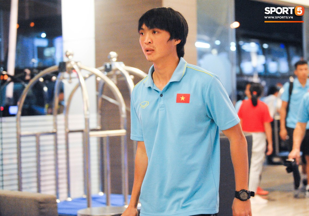 Hải Quế, Duy Pinky check-in nhí nhảnh tại khách sạn sau trận đấu cân não với Thái Lan - Ảnh 6.
