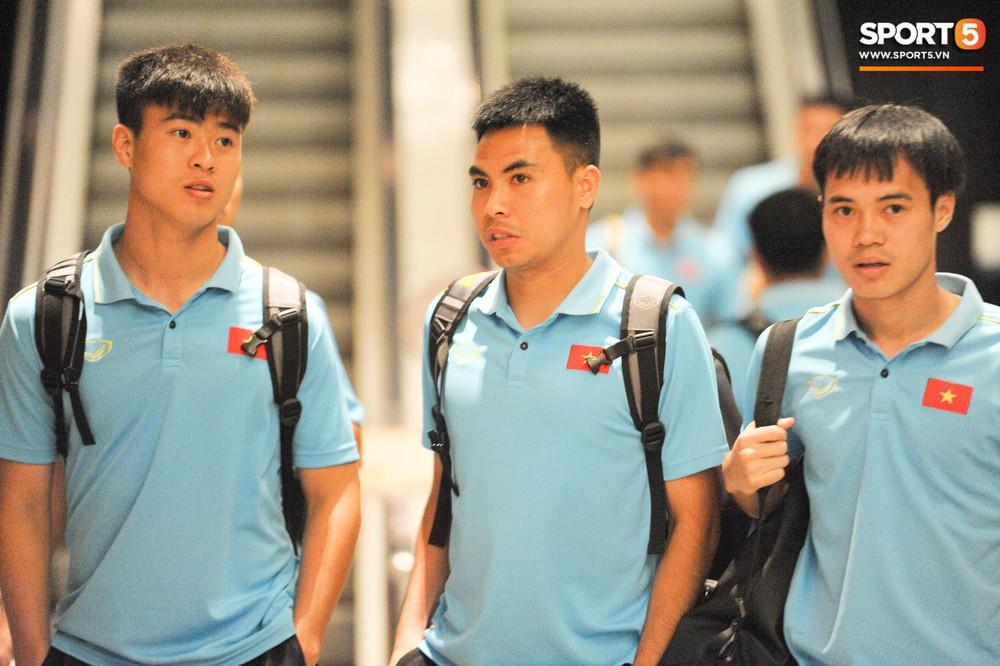 Hải Quế, Duy Pinky check-in nhí nhảnh tại khách sạn sau trận đấu cân não với Thái Lan - Ảnh 10.