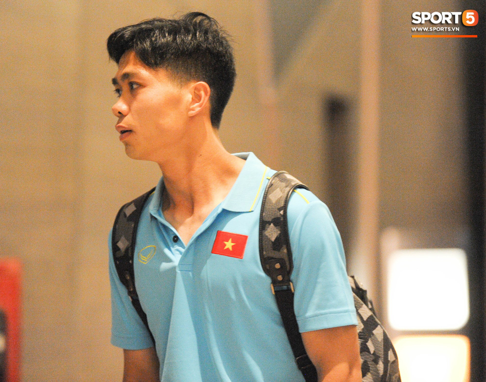 Hải Quế, Duy Pinky check-in nhí nhảnh tại khách sạn sau trận đấu cân não với Thái Lan - Ảnh 11.