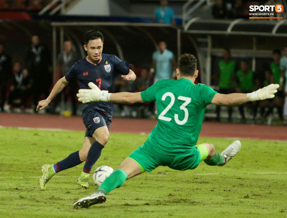 Không phải thần may mắn, đây mới là người giúp Việt Nam có 1 điểm quý giá trước Thái Lan tại Vòng loại World Cup 2022 - Ảnh 2.