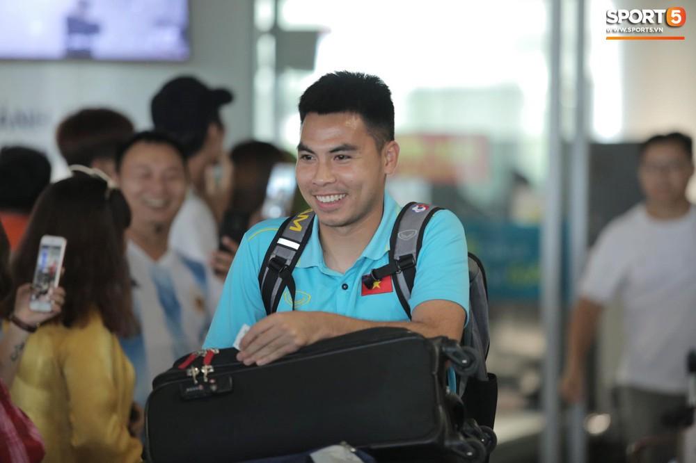 """Tuyển Việt Nam trở về Hà Nội, chưa có thời gian nghỉ ngơi vì phải """"chạy show"""" - Ảnh 5."""