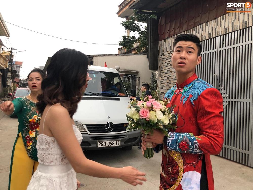 Đám hỏi Duy Mạnh - Quỳnh Anh: Cô dâu chú rể cảm ơn quan khách, kết thúc buổi lễ vất vả nhưng đầy hạnh phúc - Ảnh 33.