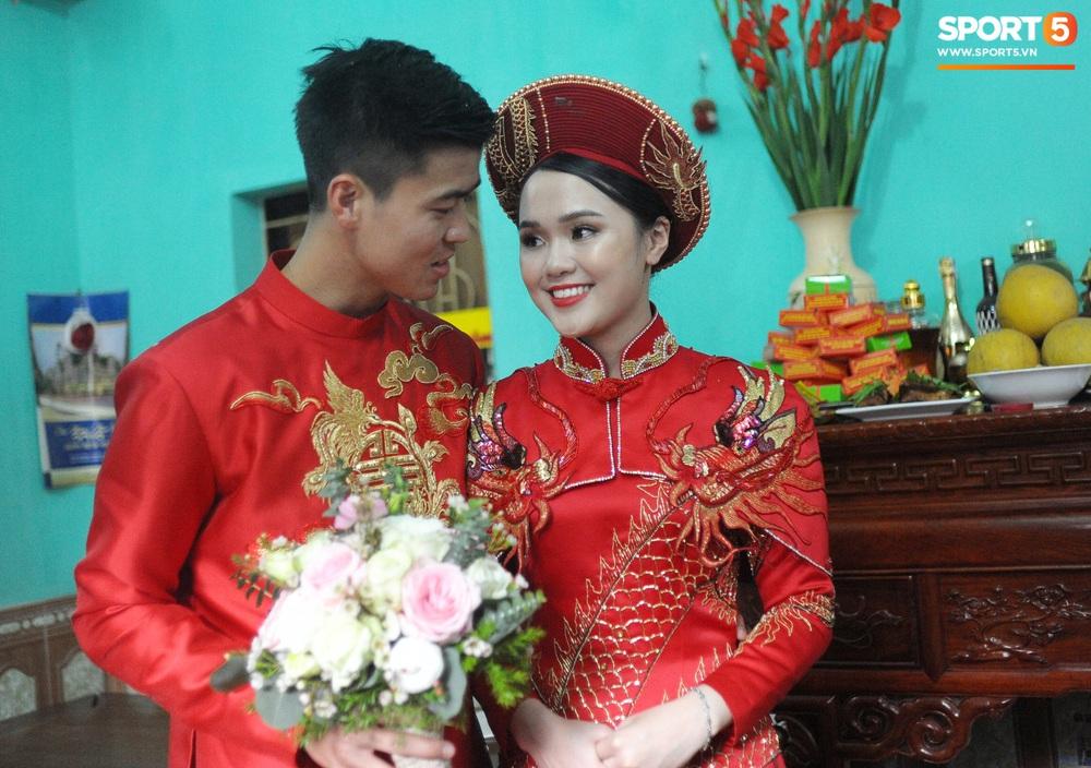 Đám hỏi Duy Mạnh - Quỳnh Anh: Cô dâu chú rể cảm ơn quan khách, kết thúc buổi lễ vất vả nhưng đầy hạnh phúc - Ảnh 4.