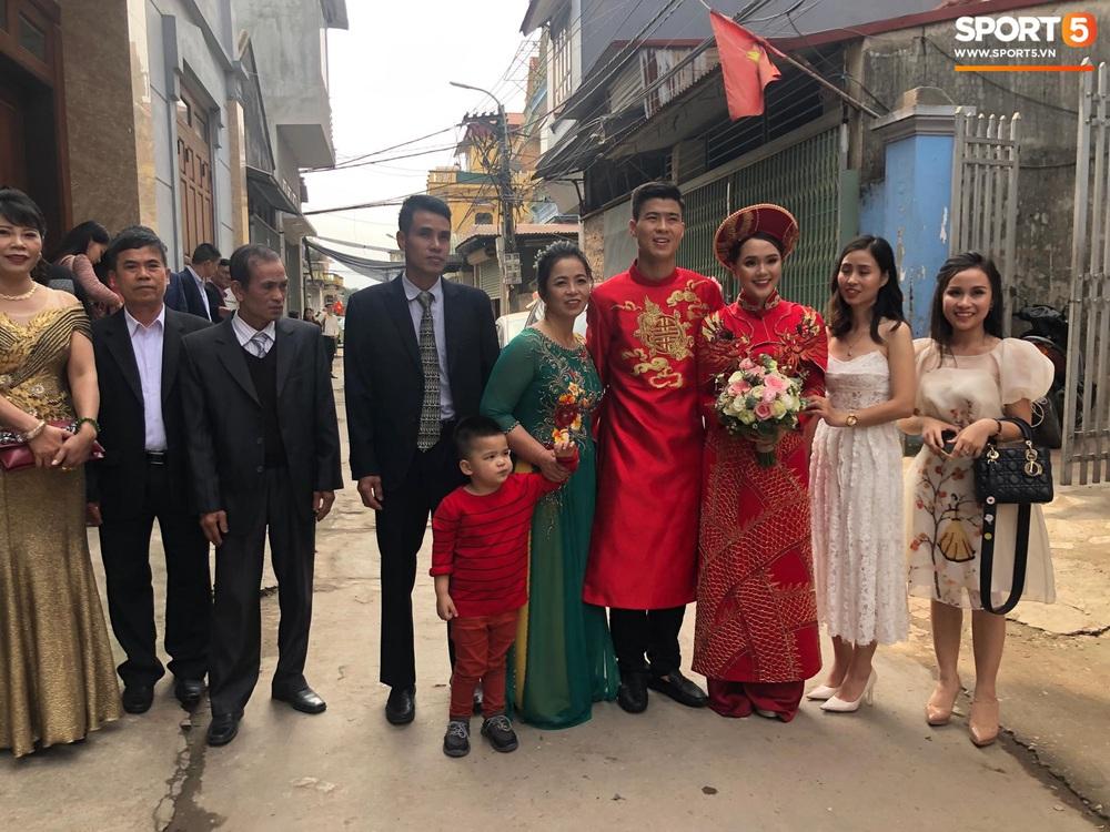 Đám hỏi Duy Mạnh - Quỳnh Anh: Cô dâu chú rể cảm ơn quan khách, kết thúc buổi lễ vất vả nhưng đầy hạnh phúc - Ảnh 10.