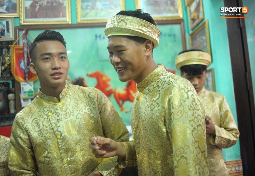 Đám hỏi Duy Mạnh - Quỳnh Anh: Cô dâu chú rể cảm ơn quan khách, kết thúc buổi lễ vất vả nhưng đầy hạnh phúc - Ảnh 37.