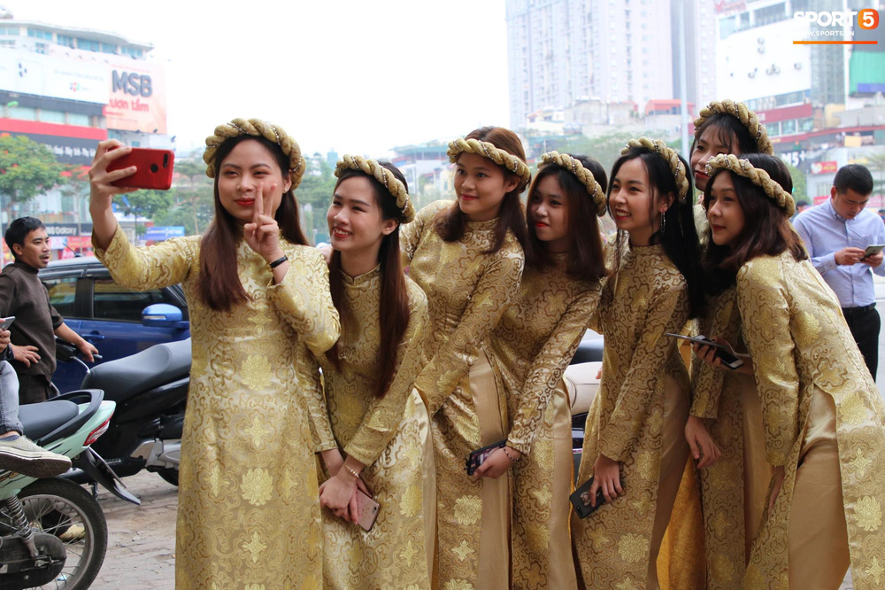 Đám hỏi Duy Mạnh - Quỳnh Anh: Cô dâu chú rể cảm ơn quan khách, kết thúc buổi lễ vất vả nhưng đầy hạnh phúc - Ảnh 30.