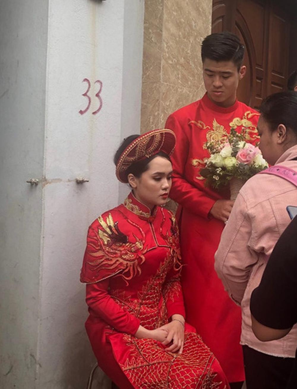 Đám hỏi Duy Mạnh - Quỳnh Anh: Cô dâu chú rể cảm ơn quan khách, kết thúc buổi lễ vất vả nhưng đầy hạnh phúc - Ảnh 9.