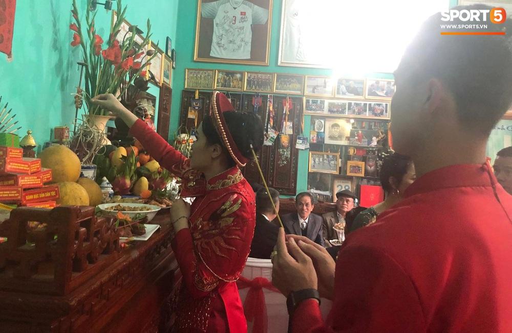 Đám hỏi Duy Mạnh - Quỳnh Anh: Cô dâu chú rể cảm ơn quan khách, kết thúc buổi lễ vất vả nhưng đầy hạnh phúc - Ảnh 6.