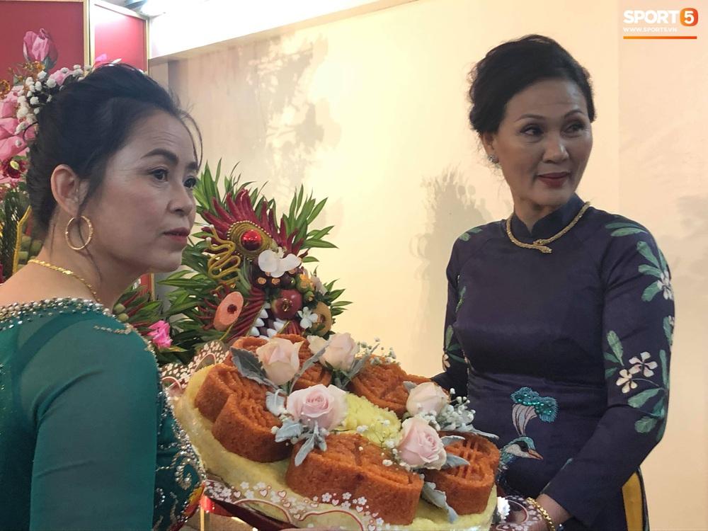 Đám hỏi Duy Mạnh - Quỳnh Anh: Cô dâu chú rể cảm ơn quan khách, kết thúc buổi lễ vất vả nhưng đầy hạnh phúc - Ảnh 24.