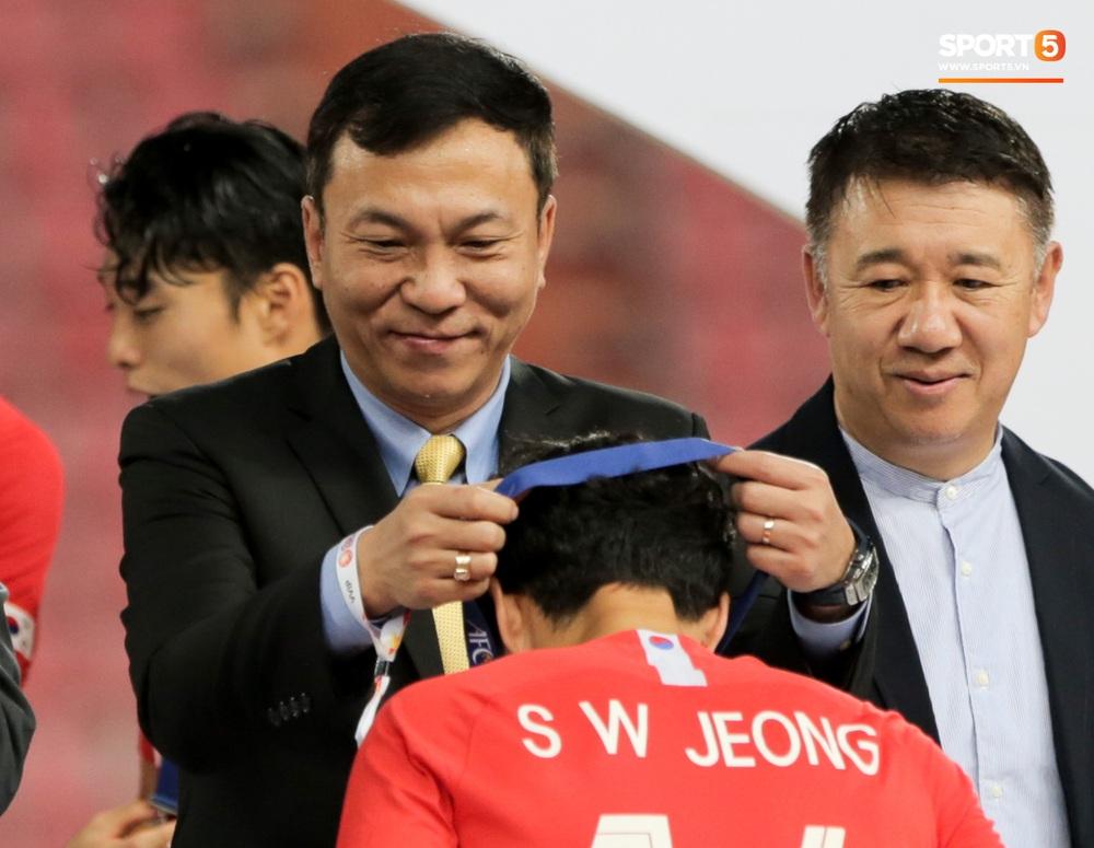 Người Việt Nam duy nhất có mặt ở lễ trao giải U23 châu Á 2020: Tiếc khi không được trao cúp vô địch cho thầy trò HLV Park Hang-seo - Ảnh 3.