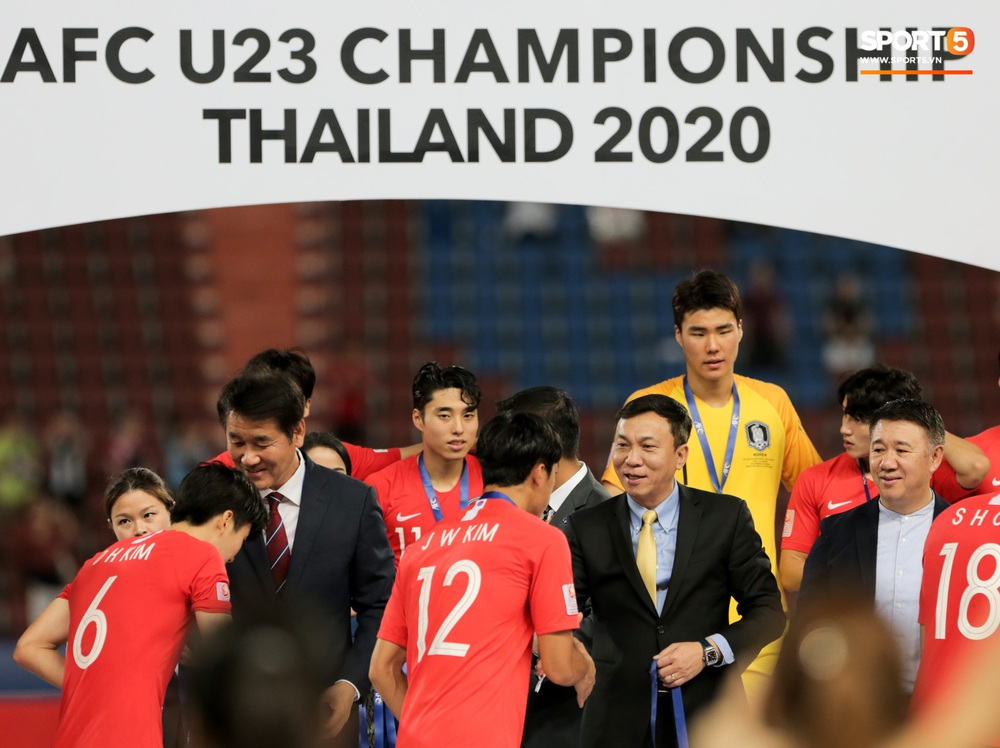Người Việt Nam duy nhất có mặt ở lễ trao giải U23 châu Á 2020: Tiếc khi không được trao cúp vô địch cho thầy trò HLV Park Hang-seo - Ảnh 2.