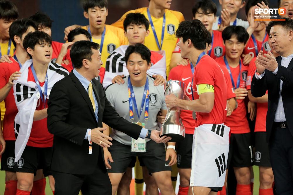 Người Việt Nam duy nhất có mặt ở lễ trao giải U23 châu Á 2020: Tiếc khi không được trao cúp vô địch cho thầy trò HLV Park Hang-seo - Ảnh 4.