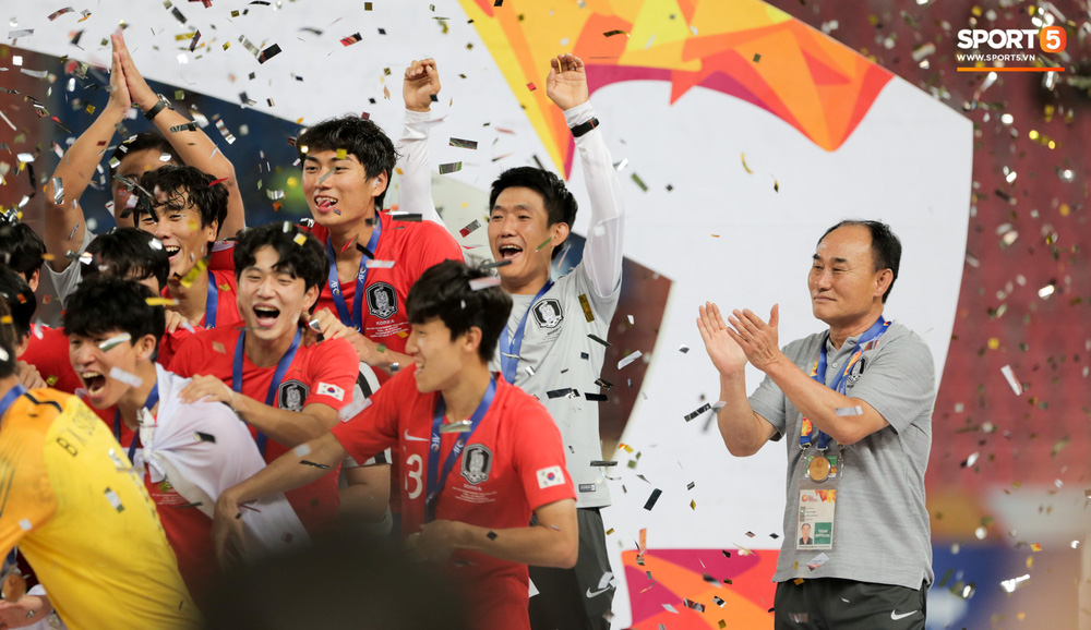 Người Việt Nam duy nhất có mặt ở lễ trao giải U23 châu Á 2020: Tiếc khi không được trao cúp vô địch cho thầy trò HLV Park Hang-seo - Ảnh 9.