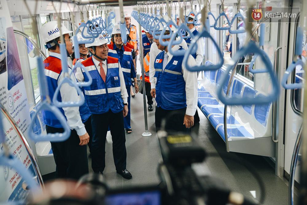 Cận cảnh nội thất hiện đại, cực xịn của đoàn tàu Metro số 1 đầu tiên vừa về Sài Gòn - Ảnh 7.