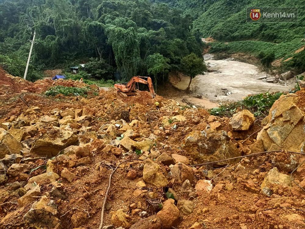 Khung cảnh kinh hoàng tại khu nhà điều hành thủy điện Rào Trăng 3 bị đất đá vùi lấp - Ảnh 6.