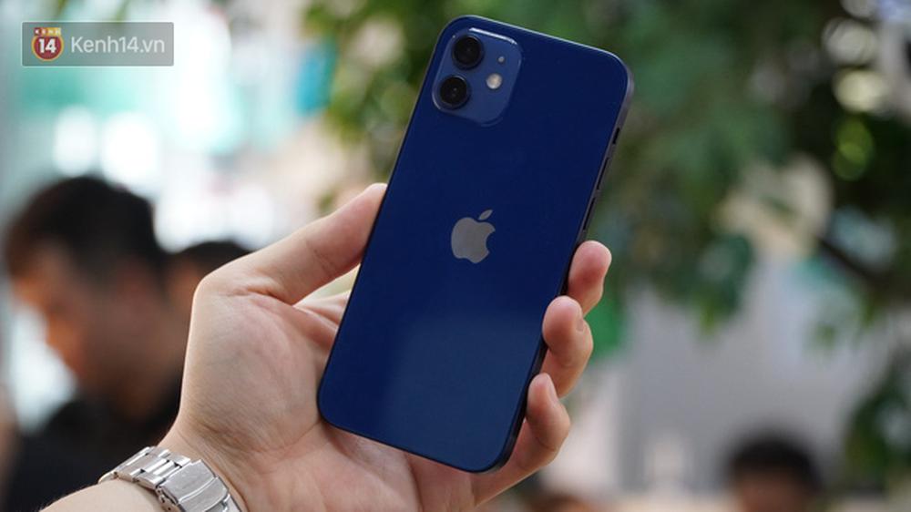 Trên tay iPhone 12 và iPhone 12 Pro tại Việt Nam - Ảnh 2.