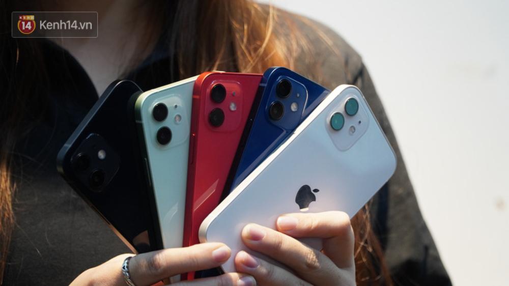 Trên tay iPhone 12 và iPhone 12 Pro tại Việt Nam - Ảnh 1.
