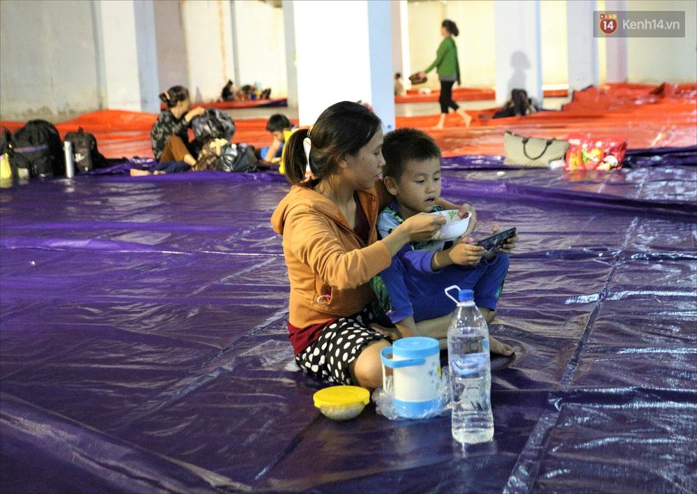 Ảnh: Ký túc xá trú bão 5 sao của người dân làng biển Quảng Ngãi - Ảnh 14.