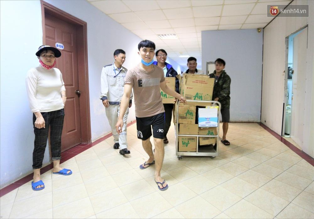 Ảnh: Ký túc xá trú bão 5 sao của người dân làng biển Quảng Ngãi - Ảnh 9.