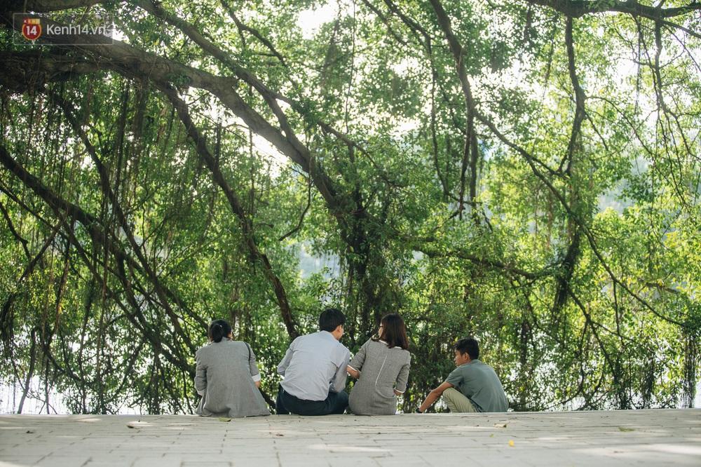 Người Hà Nội thích thú với diện mạo mới của hồ Gươm sau 5 tháng lát đá vĩnh cữu - Ảnh 13.