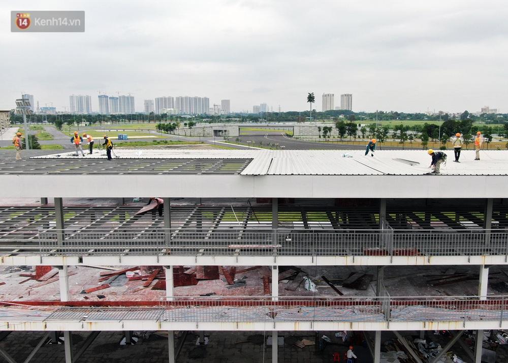 Sau 7 tháng tạm hoãn vì Covid-19, Hà Nội tiếp tục tháo dỡ khán đài đường đua F1 - Ảnh 9.