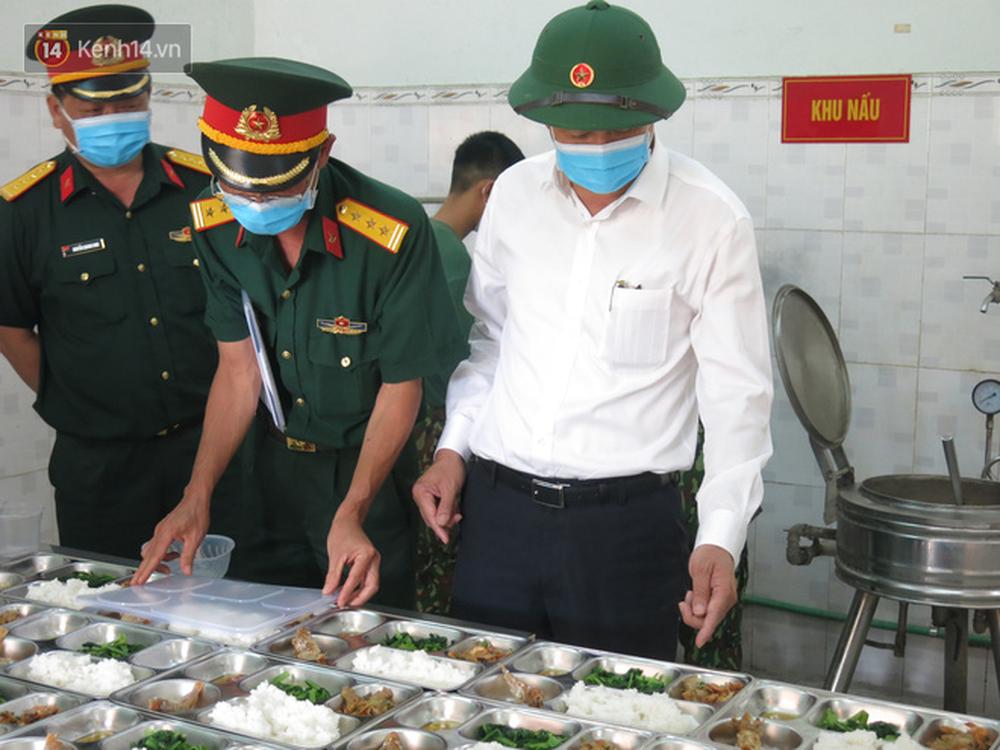 Cận cảnh bên trong khu cách ly người Việt từ tâm dịch virus Corona của Hàn Quốc về Đà Nẵng - Ảnh 17.