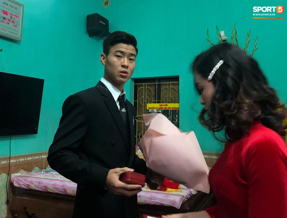 Lễ cưới Duy Mạnh - Quỳnh Anh: Cô dâu và chú rể trao nhẫn cho nhau trong tiếng reo hò của hơn một nghìn quan khách - Ảnh 19.