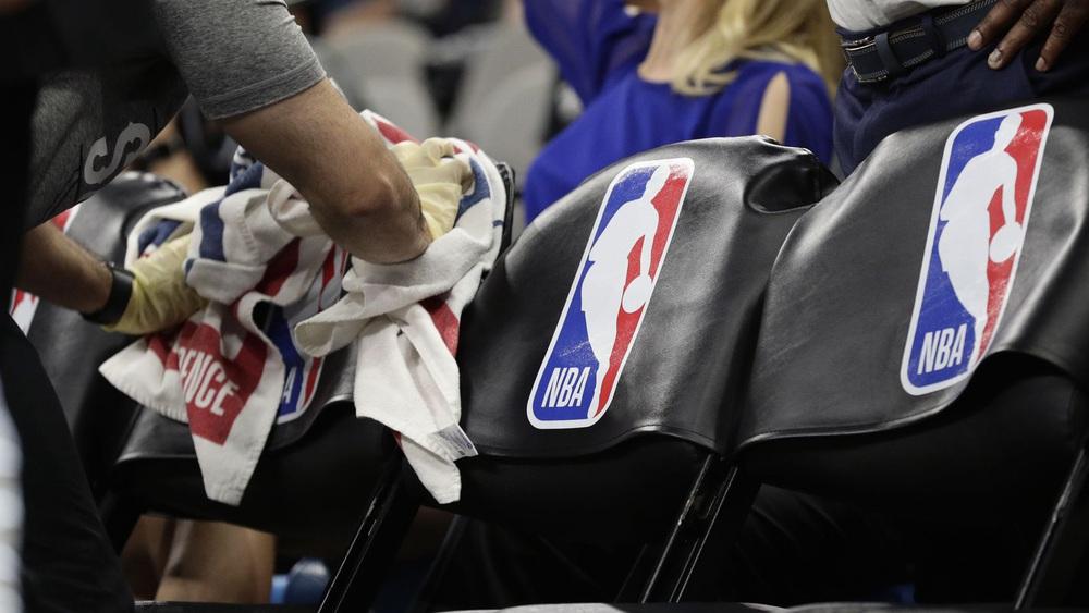 Cơn đại dịch Covid-19 tàn phá giải bóng rổ hấp dẫn nhất hành tinh ra sao và ảnh hưởng thế nào tới thói quen của các cầu thủ nơi đây? - Ảnh 10.