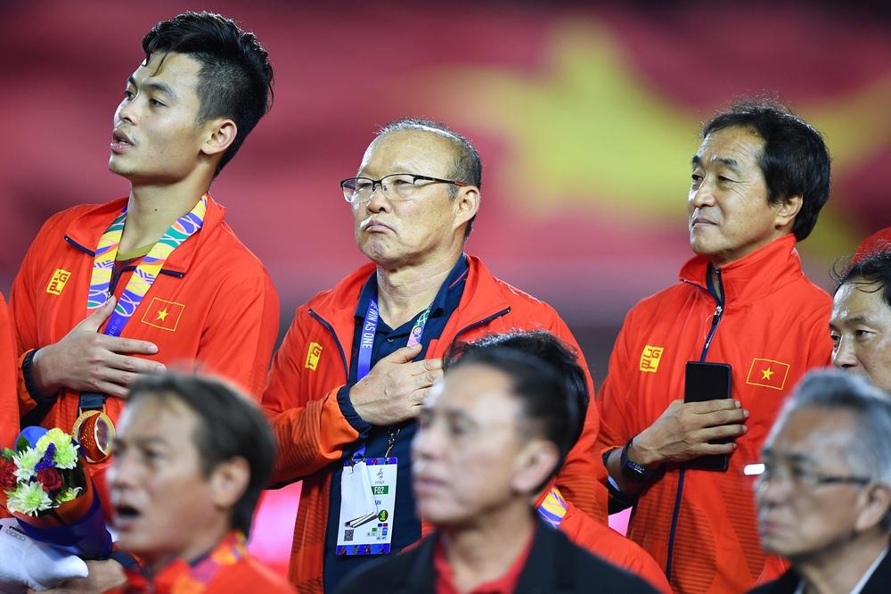 U22 Việt Nam ăn mừng cực cảm xúc khi vô địch SEA Games 30 - Ảnh 15.