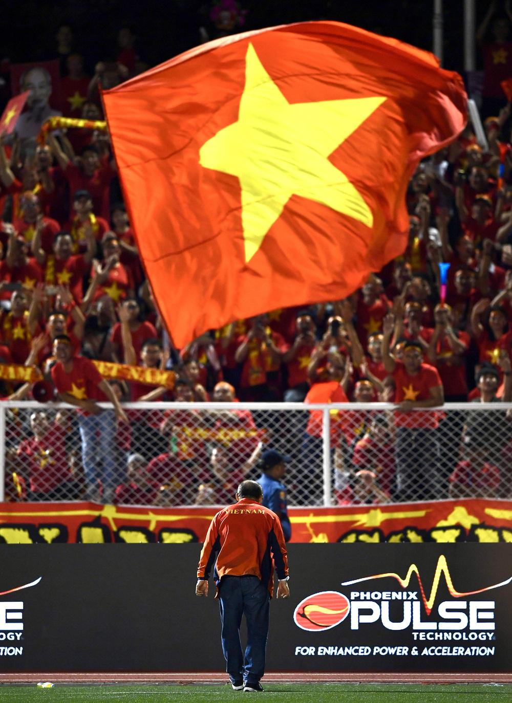 U22 Việt Nam ăn mừng cực cảm xúc khi vô địch SEA Games 30 - Ảnh 10.