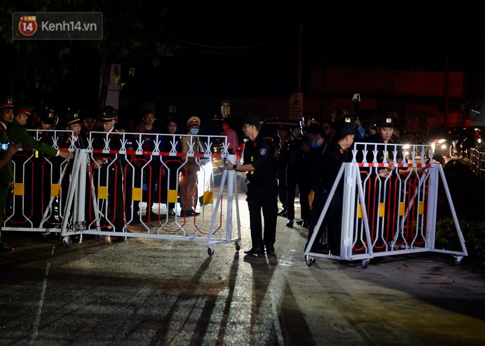 Ảnh: Chính thức dừng cách ly xã Sơn Lôi, người dân vui mừng được quay lại cuộc sống bình thường - Ảnh 3.